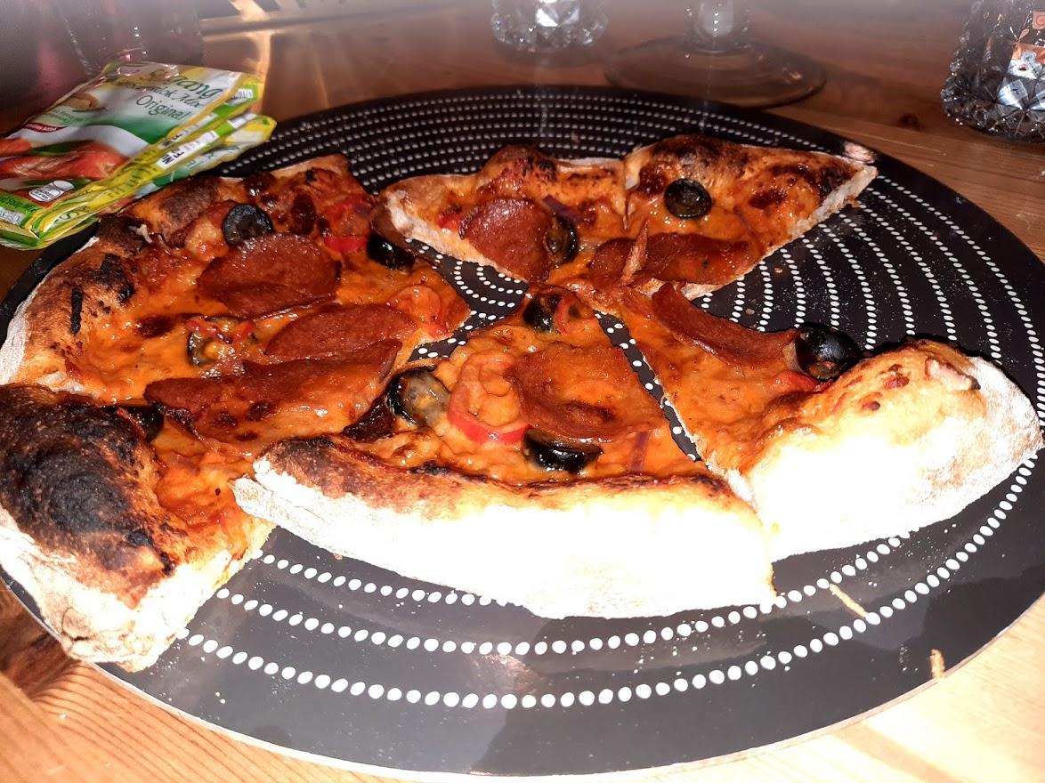 Enkel billig hjemmelaget pizza